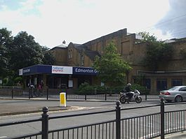 Edmonton Green stn entrance.JPG