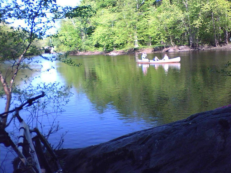 Egg Rock canoeists