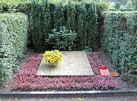 Ehrengrab Hüttenweg 47 (Dahl) Heinz Berggruen.jpg