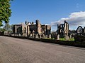 Elgin cathedral - panoramio (3).jpg