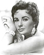 Black-and-white photo of Elizabeth Taylor 1953.