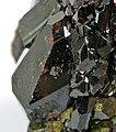 Epidote-Grossular-t08-72c.jpg