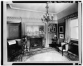 FRONT RIGHT PARLOR - Edwin H. Abbot House, 1 Follen Street, Cambridge, Middlesex County, MA HABS MASS,9-CAMB,39-9.tif