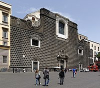 Facciata della chiesa del Gesù Nuovo (Napoli) - BW 2013-05-16.jpg