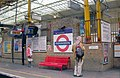 Farringdon Station southbound Thameslink platform geograph-3877475-by-Ben-Brooksbank.jpg