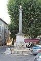 Fontaine Colonne Riez 3.jpg