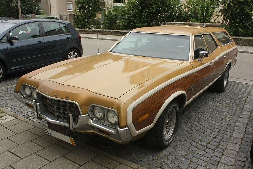 Ford Torino - Howling Pixel