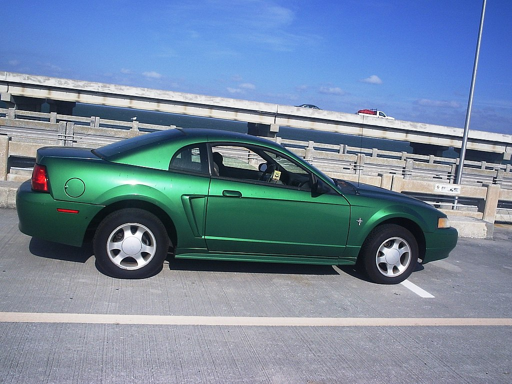 file ford mustang 2000 green jpg wikimedia commons. Black Bedroom Furniture Sets. Home Design Ideas