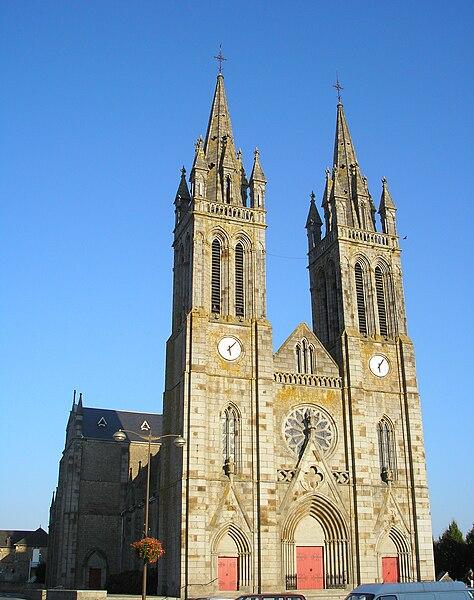 Saint-Hilaire-du-Harcouët (Normandie, France). Façade de l'église Saint-Hilaire.