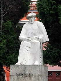 Garcia de Orta - estatua.jpg