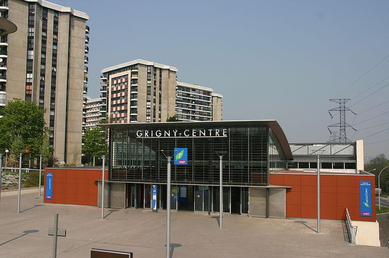File:Gare de Grigny IMG 2243.JPG
