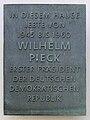 Gedenktafel Majakowskiring 29 (Niedschh) Wilhelm Pieck.jpg