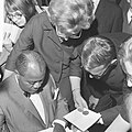 Gert Timmerman ontvangt gouden en diamanten plaat, Louis Armstrong en Gert Timme, Bestanddeelnr 917-8180.jpg