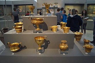 Aegean art - Gold cups from Grave IV and V (Grave Circle A), Mycenae