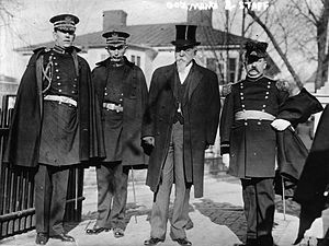William Hodges Mann - Governor Mann with his staff
