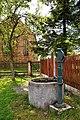 Grabsleben-Friedhofsbrunnen.jpg
