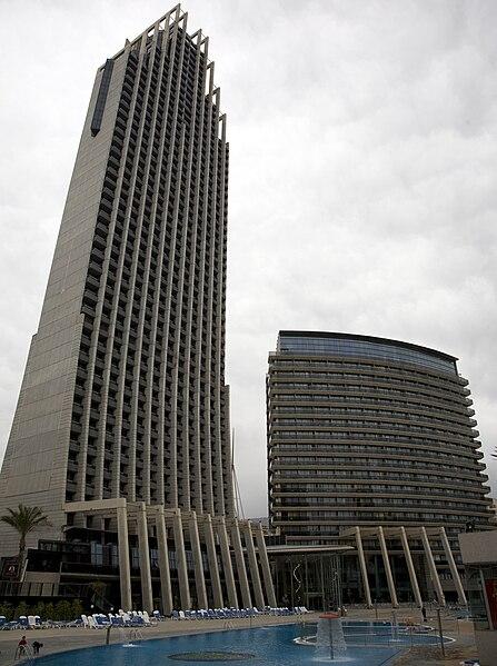 http://upload.wikimedia.org/wikipedia/commons/thumb/a/a8/Gran-hotel-bali-160410.jpg/447px-Gran-hotel-bali-160410.jpg