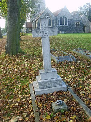 Church of St Mary Magdalene, North Ockendon - One of the World War I graves in the churchyard