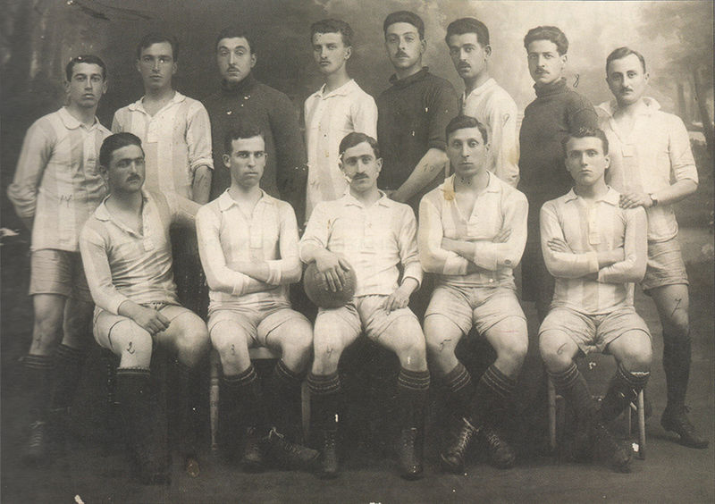 800px-Greece_football_team_Inter-Allied_