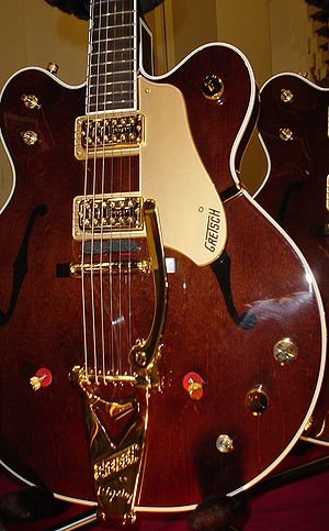 Archtop guitar - G6122-1962 Gretsch Chet Atkins Country Gentleman developed in the mid-1950s