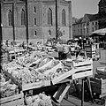 Groenten- en fruitmarkt in Wiesbaden, Bestanddeelnr 254-4257.jpg