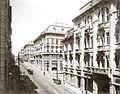 Guilherme Gaensly - Libero Badaró, sentido Praça do Patriarca, c. 1920.jpg