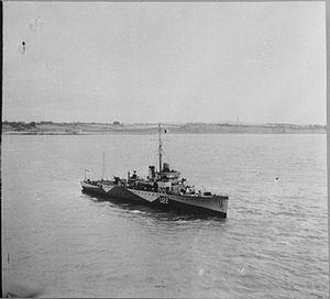 HMS Folkestone (L22) - Image: HMS Folkestone