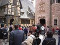 Haut-Koenigsbourg - Touristen.jpg