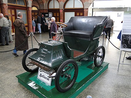 A Sutton Voiturette Pedal Car, built in Ballarat, Victoria, Australia, in 1900 and on display in 2011 at the Ballarat Heritage Festival Henry Sutton car.jpg