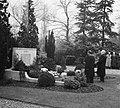 Herdenking oorlogsgraven Nieuwe Oosterbegraafplaats, Bestanddeelnr 905-4145.jpg