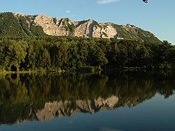 Heves megye, Bélapátfalva, Gyári-tó és Bél-kő.jpg