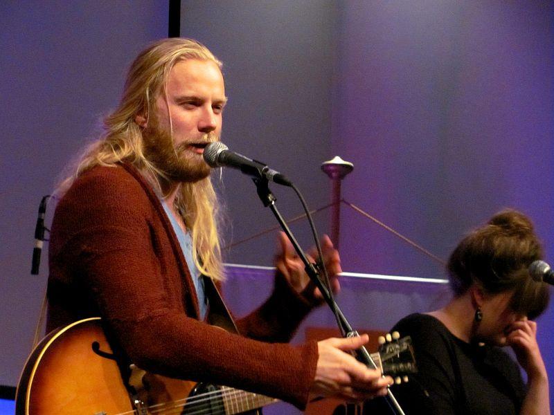 Högni på ein Hjaltalin-konsert i 2011. Foto: Lusinemarg/Wikipedia/CC-lisens