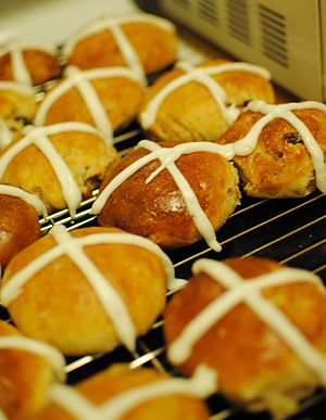 Hot cross bun - Homemade hot cross buns