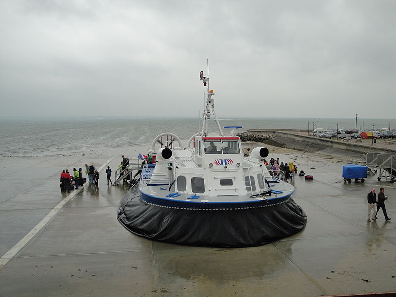 Hovercraft in Ryde ©wikipedia, Editor5807
