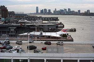 Hudson River, New York, USA -Concorde-13Nov2011.jpg