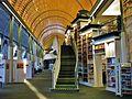 Humboldt-Bibliothek Aufgang zur Galerie.jpg