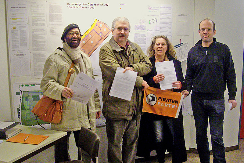 File:IWF-Einwaende-Piraten-24-1-2014.jpg