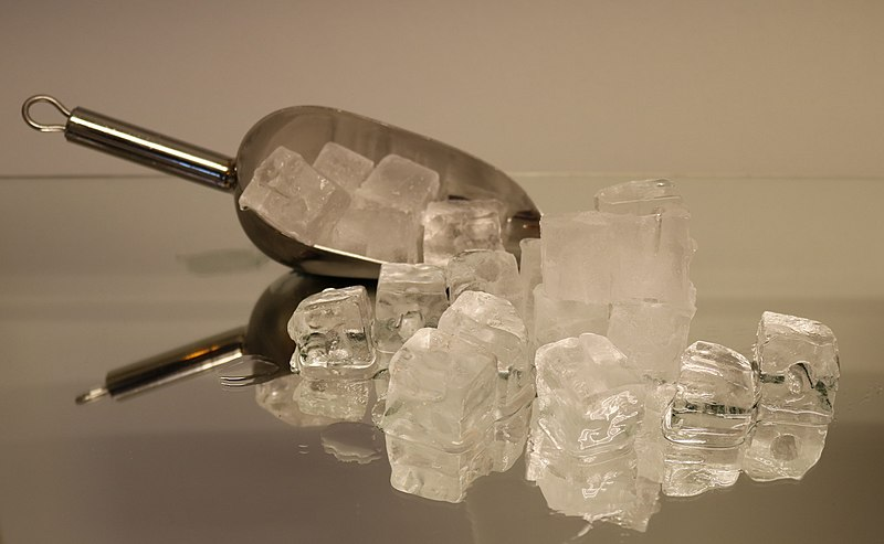 File:Ice cubes with shovel 2.jpg
