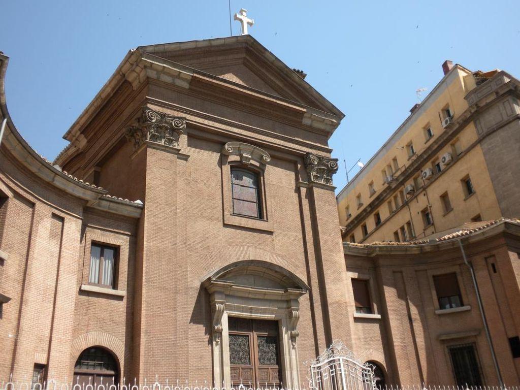 File iglesia de san marcos madrid wikimedia commons for Puerta 8 san marcos