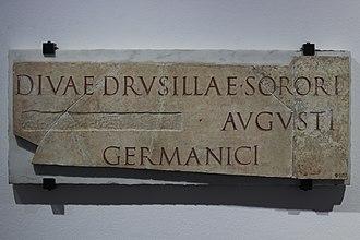 Julia Drusilla - Image: Inscription dédiée par Caligula à sa soeur Drusilla divinisée MBA Lyon 2018