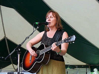 Picture of a band or musician: Iris Dement