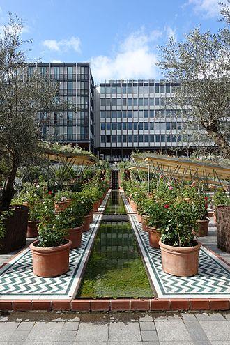 Arab diaspora - Garden East exhibition of the Arab World Institute in Paris