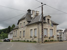 The town hall and school of Jumencourt