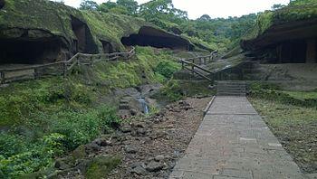 Kanheri Caves 7, Mumbai.jpg