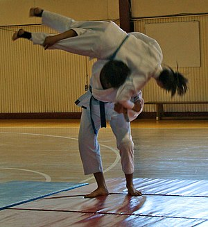Kata guruma - Judoka demonstrate Kata-guruma throw