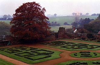 Kenilworth (novel) - The Elizabethan Gardens at Kenilworth