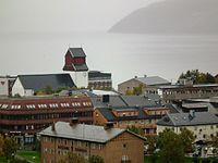 Kirkenes, with a foggy Varangerfjord.jpg