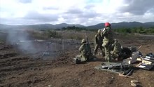 Datei:L16 81mm mortar fired by JGSDF soldiers during Orient Shield 2012, -31 Oct. 2012 a.webm