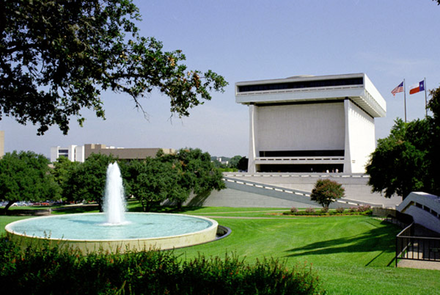 Front view of the Lyndon Baines Johnson Library located in Austin, Texas LBJ Library and Museum front view with fountain.png