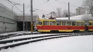 Файл:LVS-2009 and Tatra T3 in Volgograd, Ploschad Chekistov switch.webm